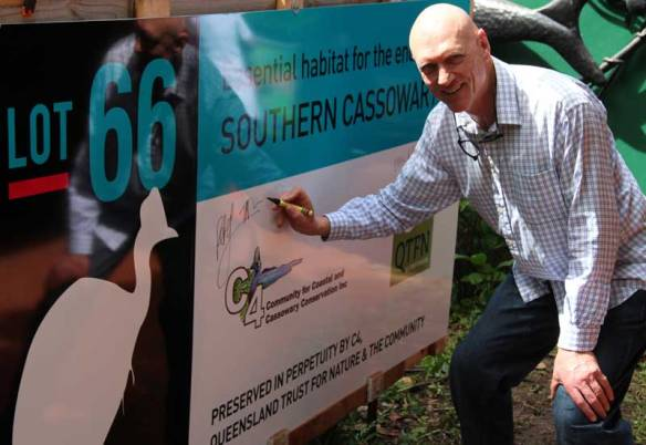 Senator Peter Garrett at the opening of Lot 66 (photo Jeff Larson)